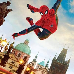 SPIDER-MAN: Daleko od domova 🕷️ Peter Parker cestuje s přáteli do Evropy, ale klidné dovolené si moc neužije. Cestu mu totiž zkříží agent Nick Fury. Ten po Peterovi chce, aby mu pomohl vypátrat, proč na starý kontinent útočí obří elementálové. SPIDER-MAN: Daleko od domova nově na www.bonstella.cz  #spiderman #spidermanfarfromhome #bonstella #novina #marvel #dvd #bluray #uhd #peterparker