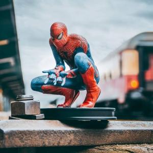 Na našem Facebooku @bonstellacz můžete až do pondělí soutěžit o figurku Spider-Mana! ✌️🎁 Filmy i parádní merch si můžete objednat na www.bonstella.cz  #bonstella #spiderman #soutez